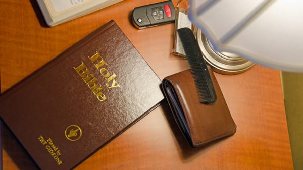 Gideons Distribute Two Billionth Bible Churchleaders Com