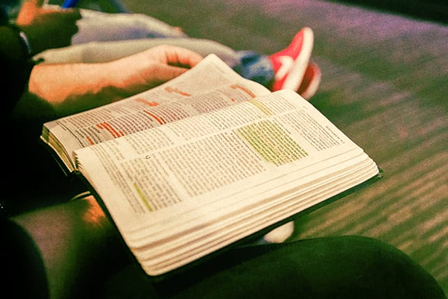 Your True Identity in Christ: 76 Inspirational Scriptures