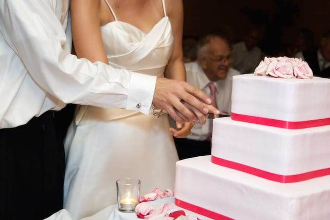 How To Predict Divorce Hint It Involves The Wedding Cake