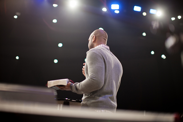 Which Preaching Style Works Best for Livestream Services?