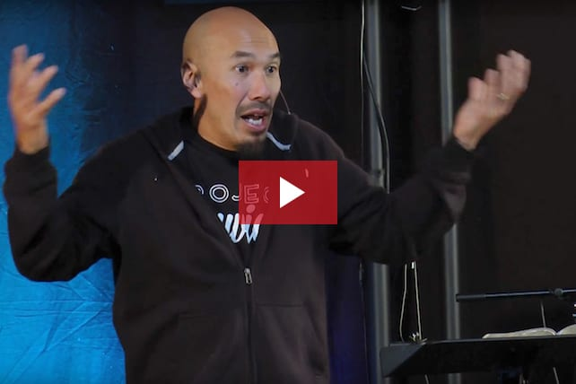 Francis Chan on Building a Church: This Is What God Really Wants