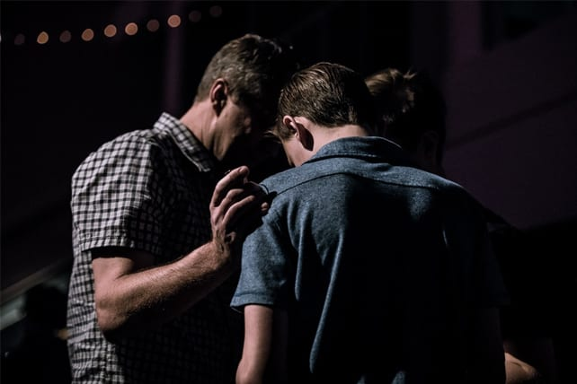 9 Ways to Build Prayer Into a Worship Service