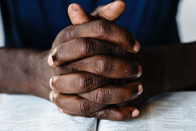 7 Textual Reasons to Pray for Your Church Leaders Today