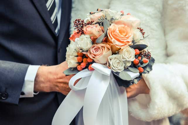 How to Perform a Wedding Ceremony: The Complete Guide