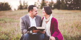 7 Ways To Honor Your Pastor's Spouse