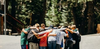 Parents: 5 Reasons to Keep Your Students in Youth Group