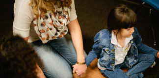 7 Staggering Things that Happen When We Pray for One Another