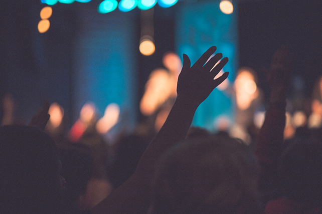 10 Things You Should Know About the Lifting of Hands in Worship