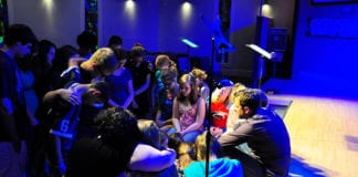 7 Steps for Planning a Youth Service