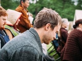 5 Ways to Pray for Your Church Family in 2020
